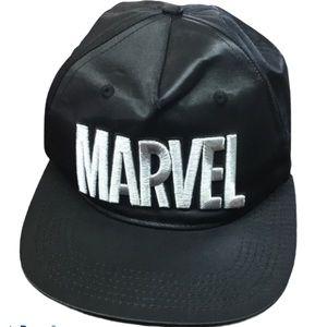 NWOT Marvel Truckers Hat Black Silver Snap Back